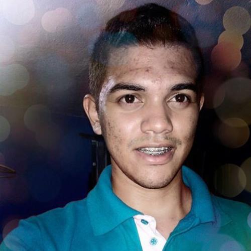 Renan Nascimento's avatar