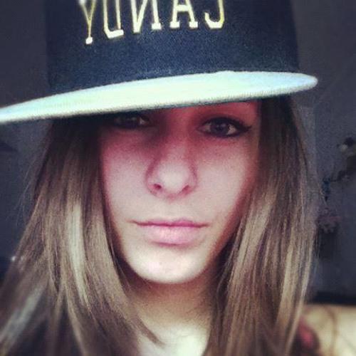 Alice Adamss's avatar