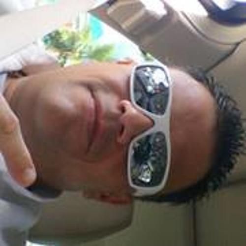 Manuel Torres 105's avatar