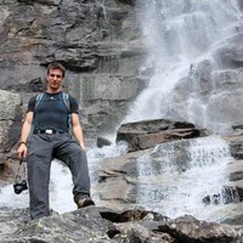 Kristof Kadar's avatar