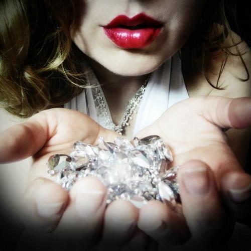 Ila Selene's avatar