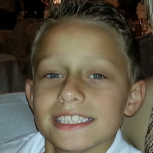 ALEX MUCHAU's avatar