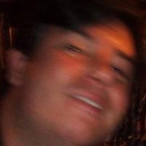 EduGuimarães's avatar