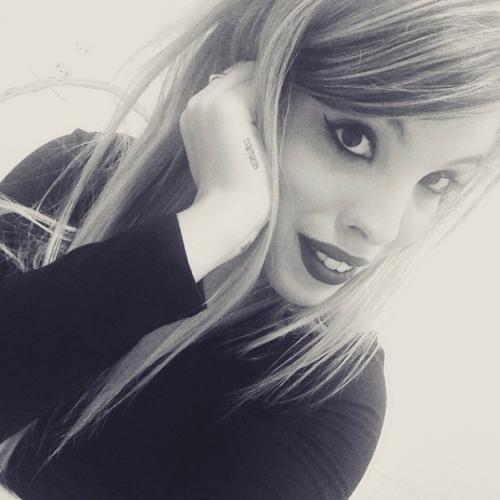 Geovana Nascimento's avatar