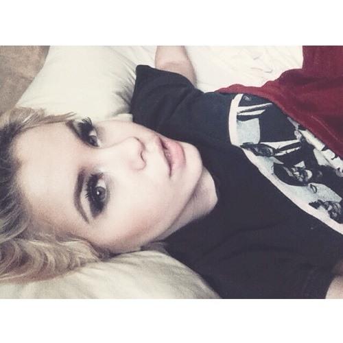 AlexxLaynee's avatar