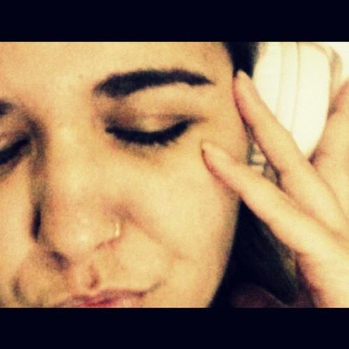 Nanda Pedroso's avatar