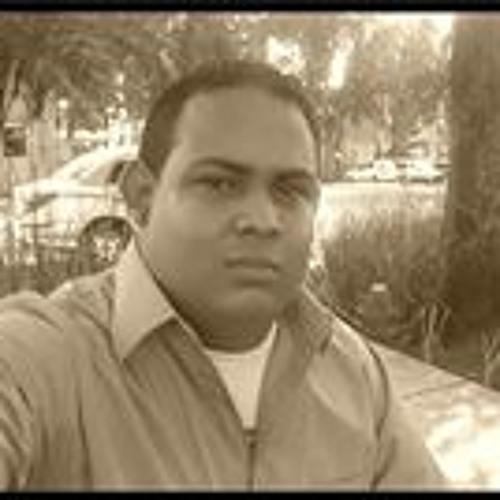 Lenin Obregon's avatar