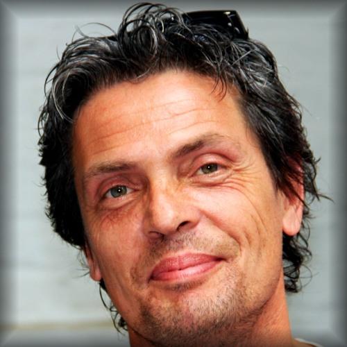 Steph Wipf's avatar