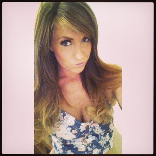 mrs_r3hab's avatar