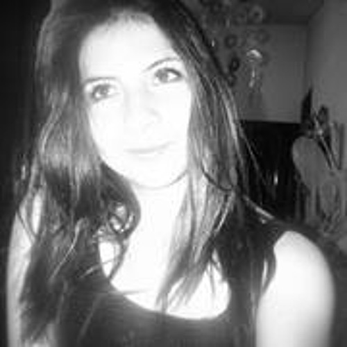 Lucia Chaves 2's avatar