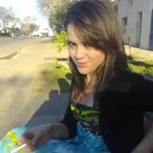 Mikaela Camargo's avatar