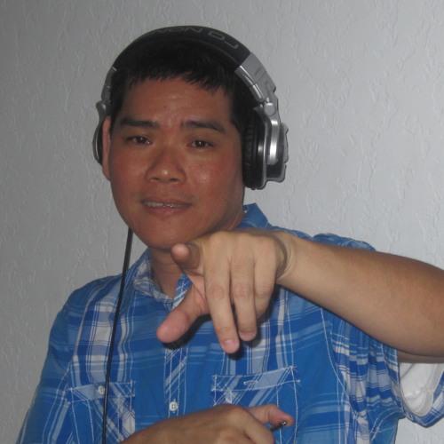 WAGGY TEE's avatar