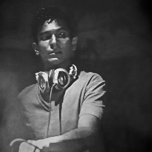 Achal Khanolkar's avatar