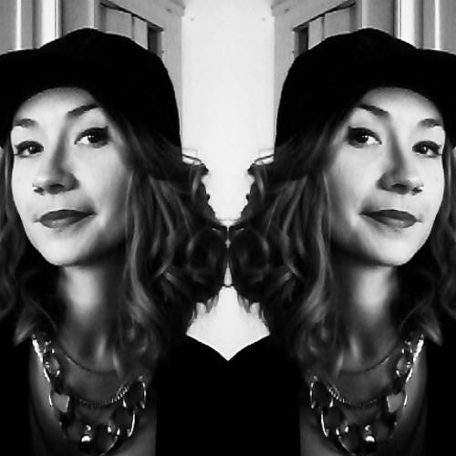June fa's avatar
