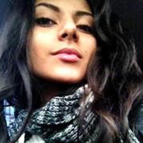 Cristina B. Zambrano's avatar