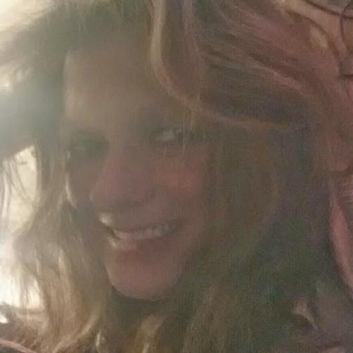 Lisa Long 20's avatar