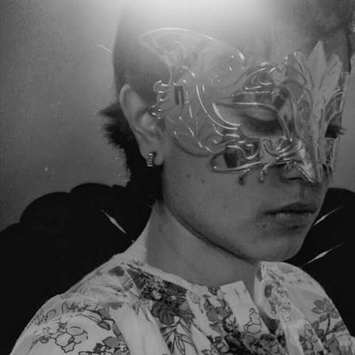 lunari lizardi 1's avatar
