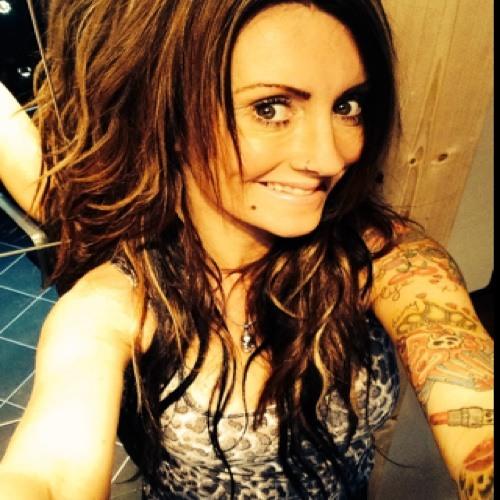 Angie Carciumaru's avatar