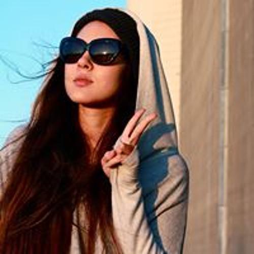 Sabrina Silk's avatar