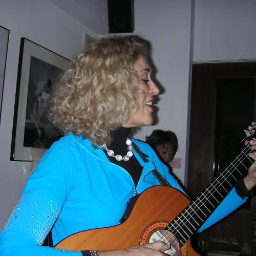 Lica Corsini Cecato's avatar