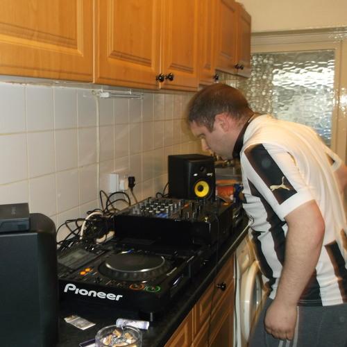DJ BUXKI's avatar