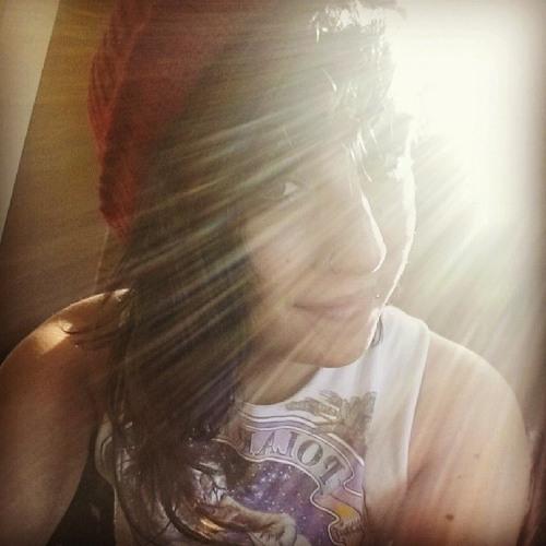 Sasha Thomas 5's avatar