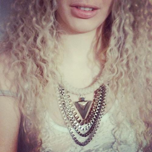 Lourdes Barbieturica's avatar