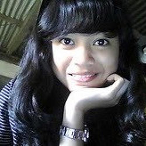 indah kartika's avatar