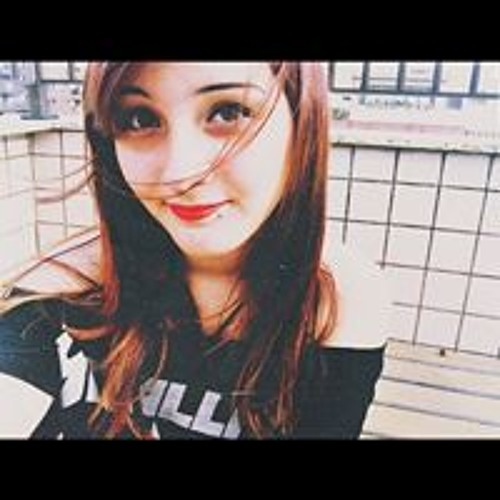 Nicole Momsen's avatar