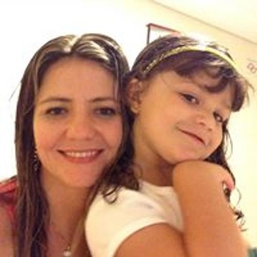 Renata Laus's avatar