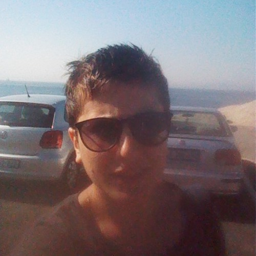 Ronak Keshavarzi's avatar