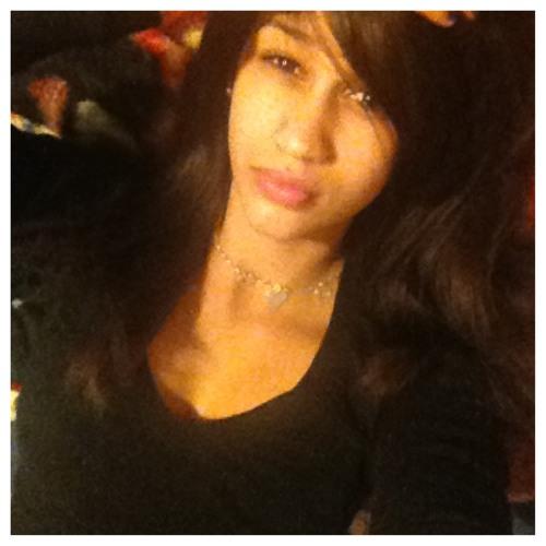 LovelyyB's avatar