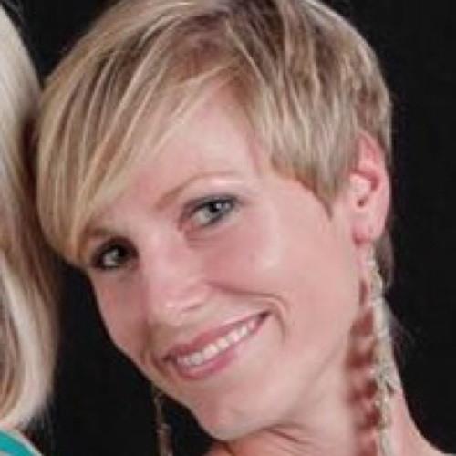 Alena Pechandova's avatar