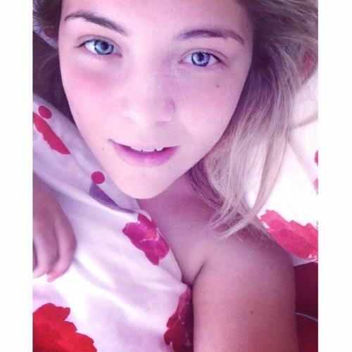 Megan Raikes's avatar