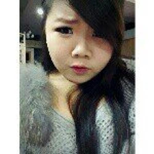Vivian Chevy's avatar