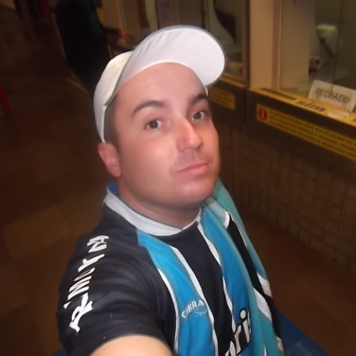 Adriano Araújo 35's avatar