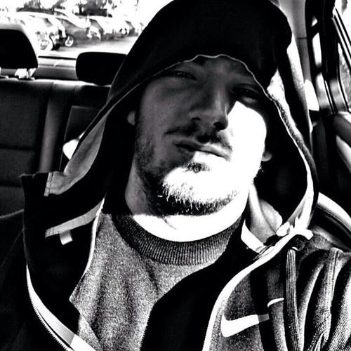Daniel Tenev's avatar