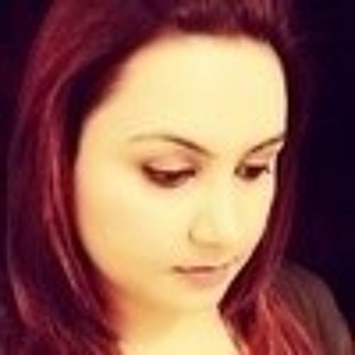 Saima Thaheem's avatar