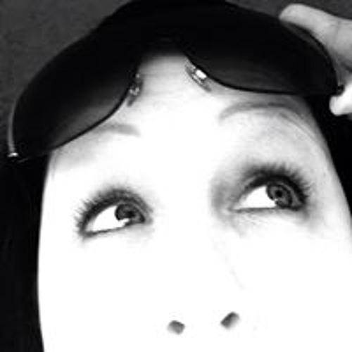 Crista Lynn's avatar