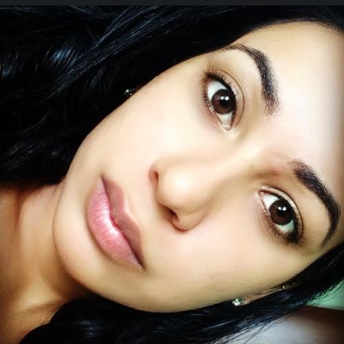 Aline Almeida's avatar