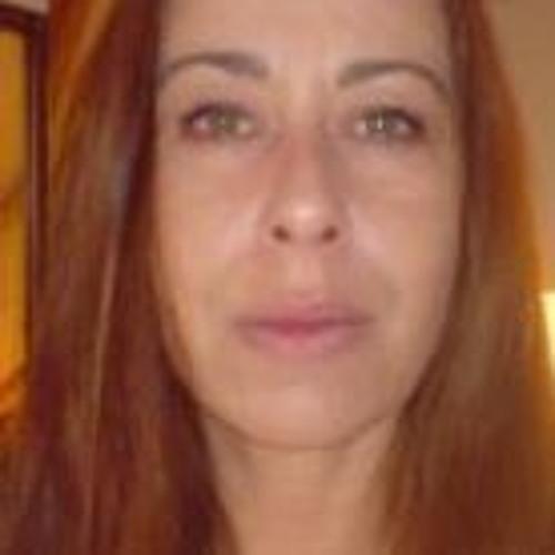 Astrid Karolien's avatar