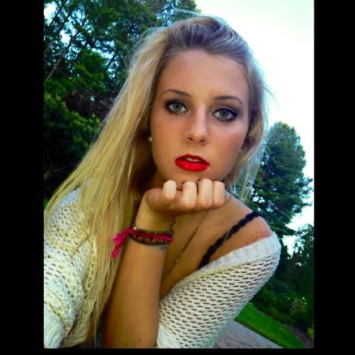 Katie Osella's avatar