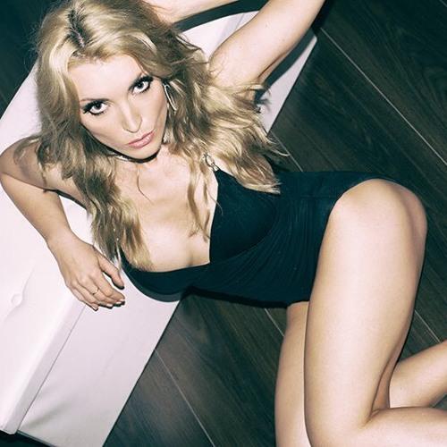 Katya Shust (DJ SLON)'s avatar