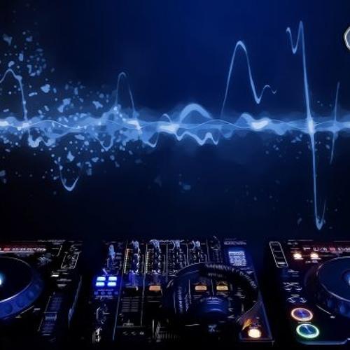 DJ CRIIIISSS's avatar
