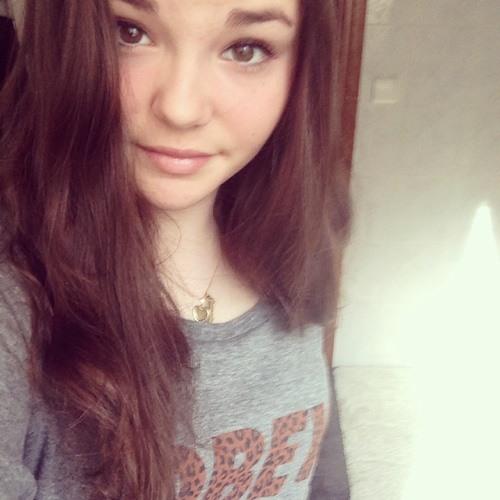 Clara De Pinho's avatar