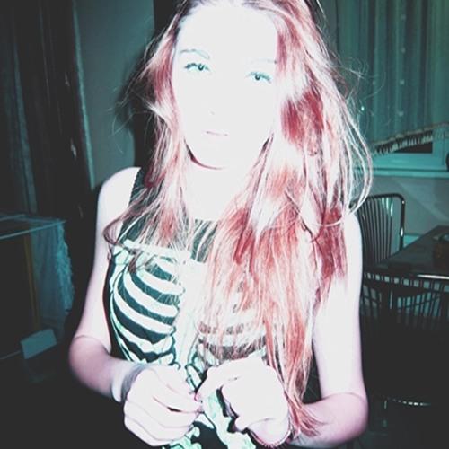 Alexa Ch's avatar