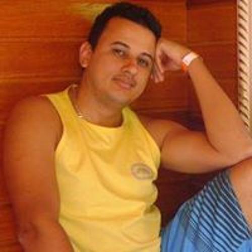 Alexandre Bernardes 7's avatar