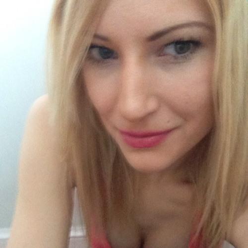 April Per's avatar