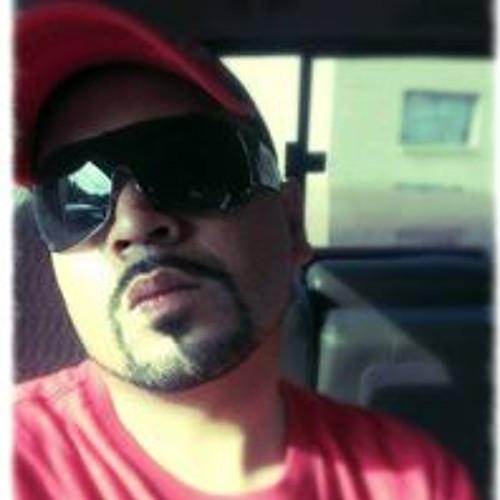 Daniel Bazaldua's avatar