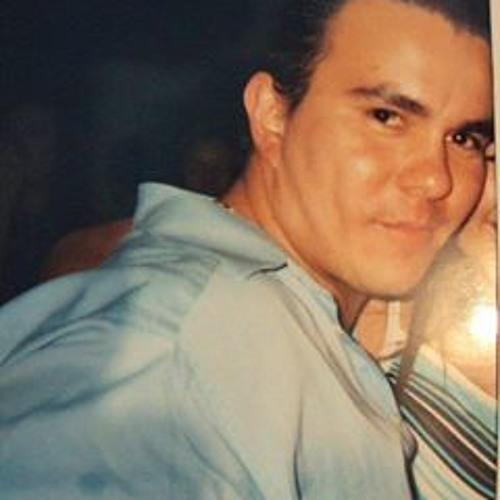 Alvar Oo's avatar